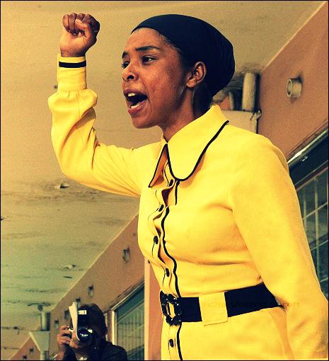 fg2bh-sophie-okonedo-as-mrs-mandela